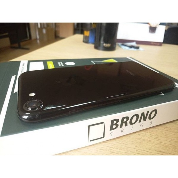Смартфон Apple iPhone 7 128GB Jet Black