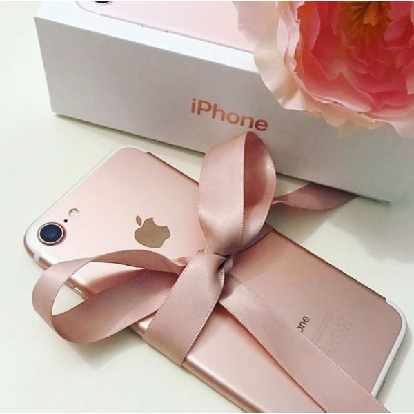 Смартфон Apple iPhone 7 32GB Rose Gold
