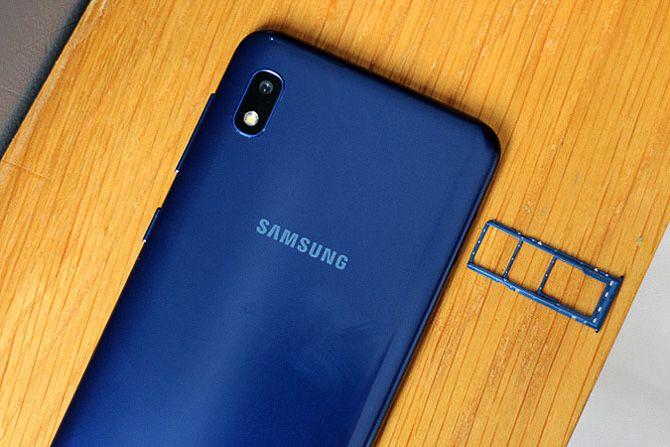 Samsung Galaxy A10 обзор смартфона
